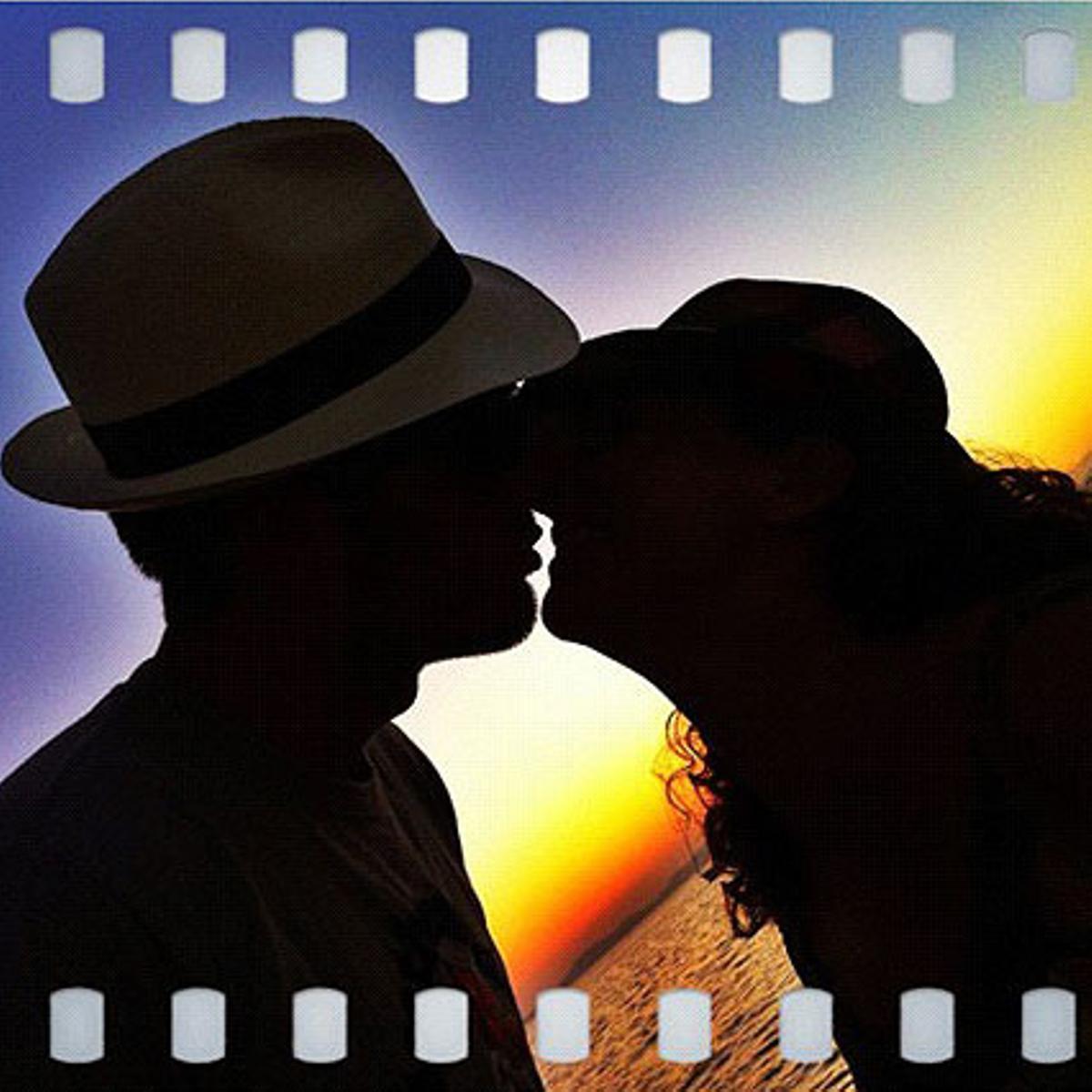 La puesta del sol, el mar y el amor de verano.