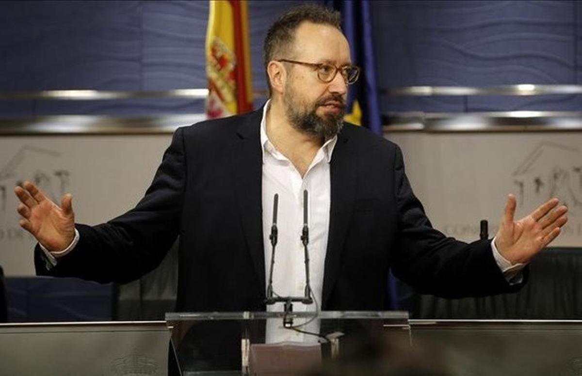 El diputado de Ciudadanos Juan Carlos Girauta, en la rueda de prensa que ha ofrecido este martes en el Congreso.