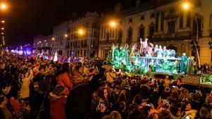 Una cavalcada de Reis sostenible recorre els carrers de Barcelona