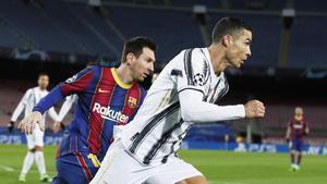 Messi y Cristiano Ronaldo, en su reciente duelo en la Champions en el Camp Nou.