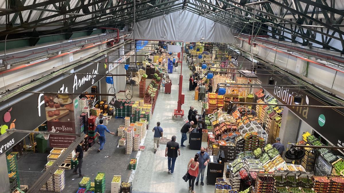 Zona de venta de verduras de Mercabarna.