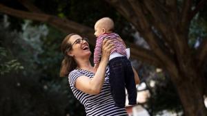 Històries de la Covid: ser mare per primera vegada durant la pandèmia