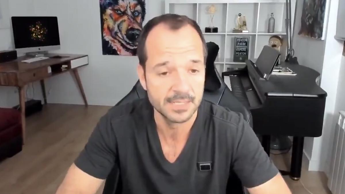 Ángel Martín en su informativo matinal