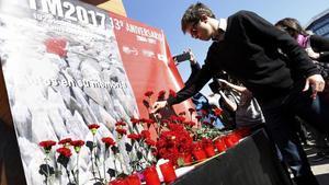 El diputado de Podemos Ínigo Errejóndurante la ofrenda floral en el homenaje en recuerdo de las victimas de los atentados del 11 de marzo de 2004.
