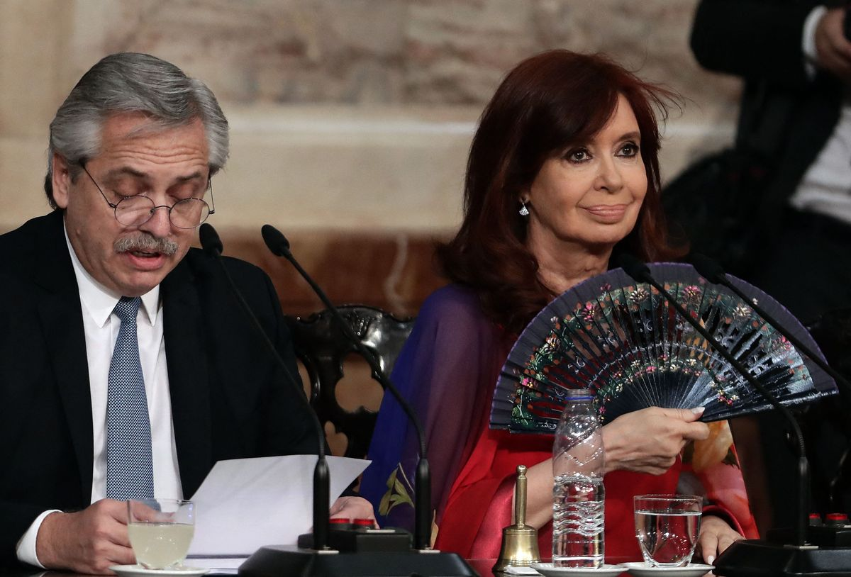 L'Argentina: el peronisme esbomba la seva crisi com un serial