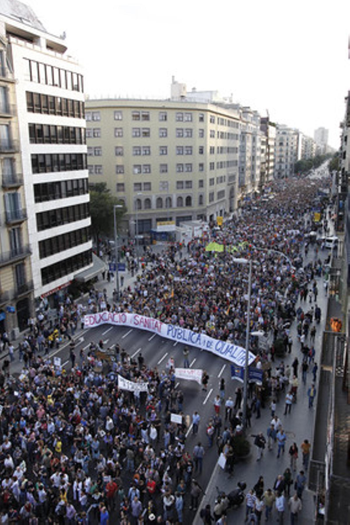 La marcha de Barcelona, a su paso por la calle de Aragó.