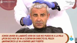 Jorge Javier Vázquez es rapa el cabell en directe: «Mare meva, quina destrossa»