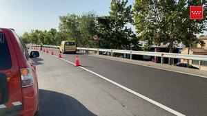 Troben en una cuneta una dona morta i una noia ferida greu a Madrid