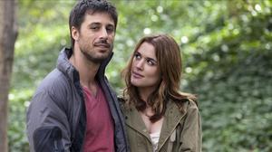 Adriana Ugarte y Hugo Silva, en una escena de lapelícula 'Lo contrario al amor'.