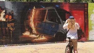 27/06/2021 Mural polémico en les tres xemeneies del Paral.lel FOTO Alex R Fischer