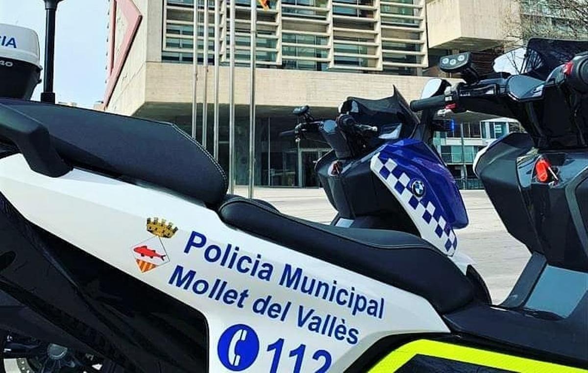 Vehículos de la Policía Local de Mollet del Vallès.