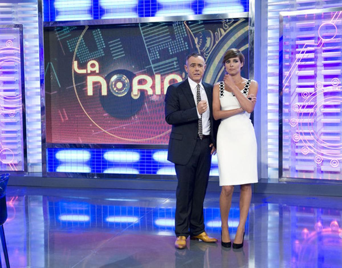 Jordi González y Sandra Barneda, presentadores de 'La Noria'.