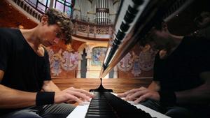 Francesco Tristano, durante un ensayoen el Palau de la Música Catalana.