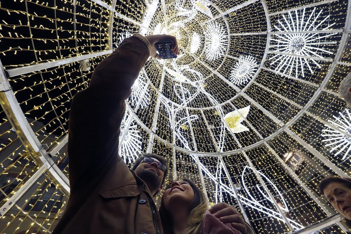 Les ciutats pugnen pels llums de Nadal