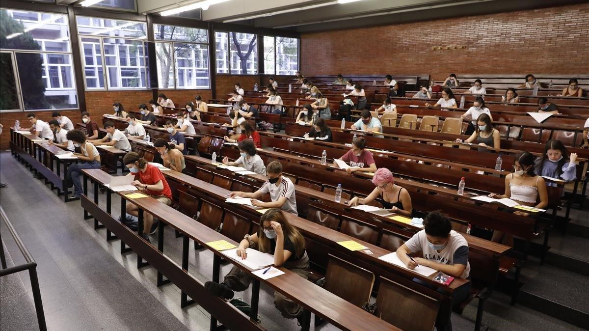 Pruebas de acceso a la universidad el pasado julio en Barcelona.
