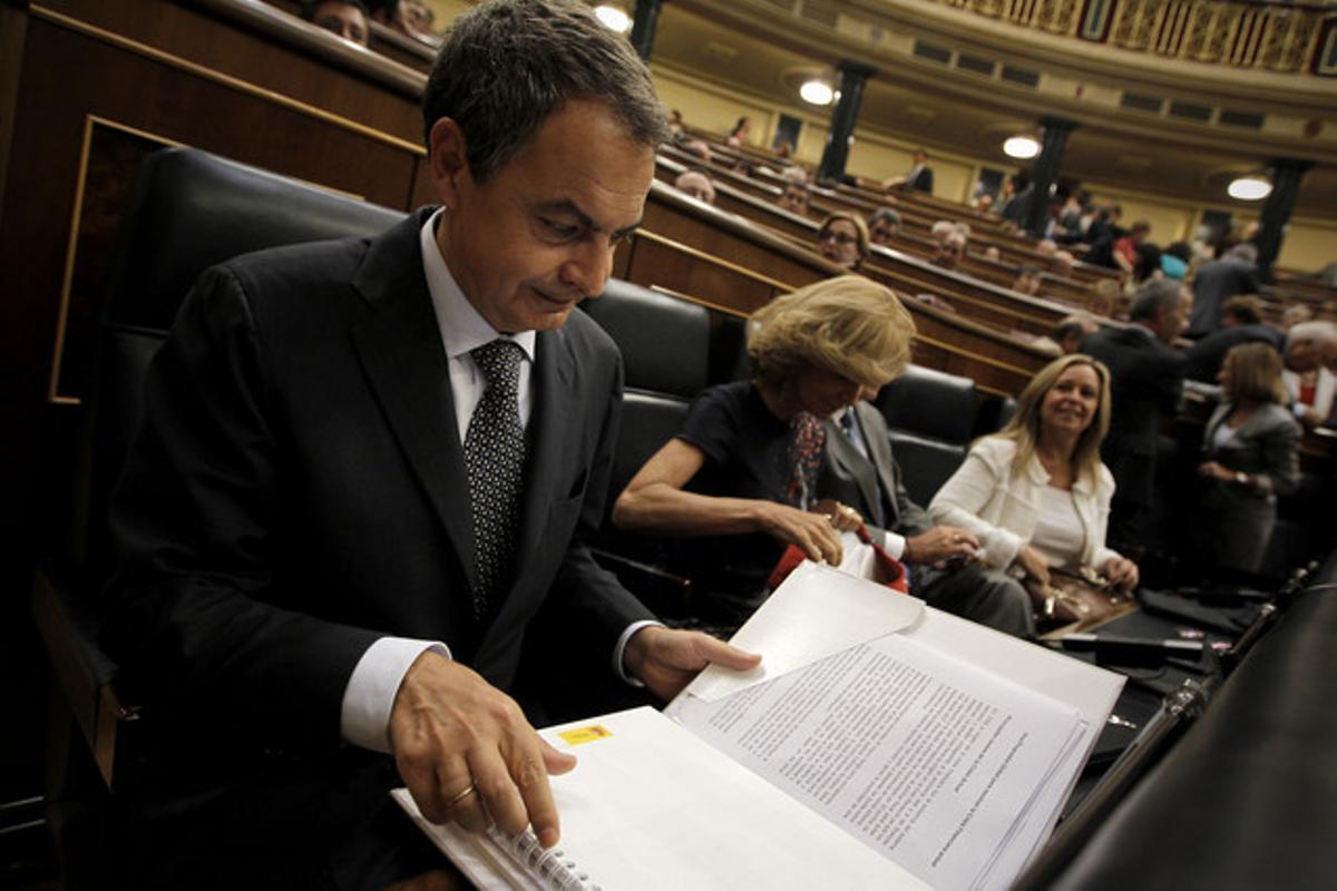 José Luis Rodríguez Zapatero, durante el pleno extraordinario del Congreso, este martes.
