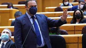 El ministro de Transporte José Luis Abalo en la sesión de Control al Gobierno en el Senado.