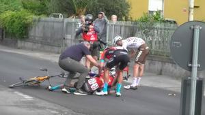 Mikel Landa cau i abandona el Giro d'Itàlia
