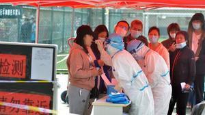 La Xina farà nou milions de proves per 12 contagis de Covid després de dos mesos sense casos