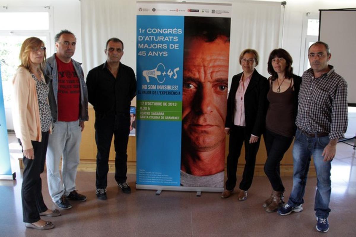Los organizadores del congreso de parados mayores de 45 años que se llevará a cabo en Santa Coloma el 17 de octubre.