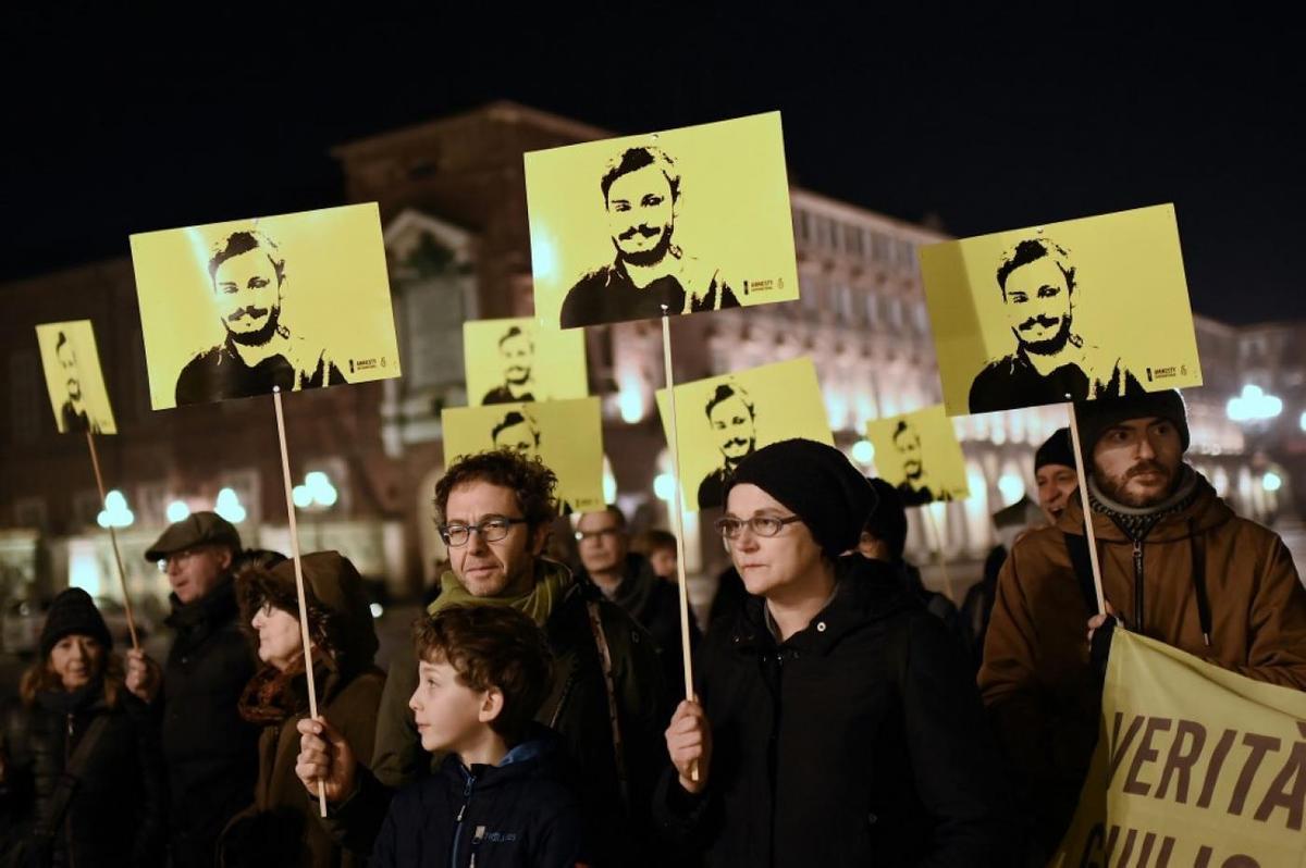 Acto de protesta en Turín en recuerdo del estudiante italiano Giulio Regeni, en el cuarto aniversario de su secuestro y asesinato en El Cairo por policías egipcios, según la fiscalía italiana.