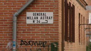 Cartel con el nombre de la calle de Millán Astray, en Madrid.