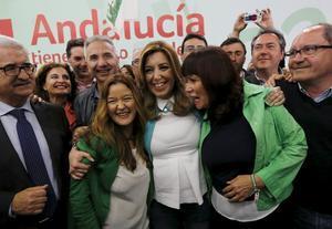 La candidata del PSOE, Susana Díaz, celebra su victoria en las elecciones andaluzas.