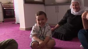 Reportaje del Canal 10 de Israel sobre el niño israelí con supuesta xenoglosia.