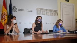 La ministra de Igualdad, Irene Montero, y su equipo en una reunión urgente del pacto de Estado contra la violencia de género.