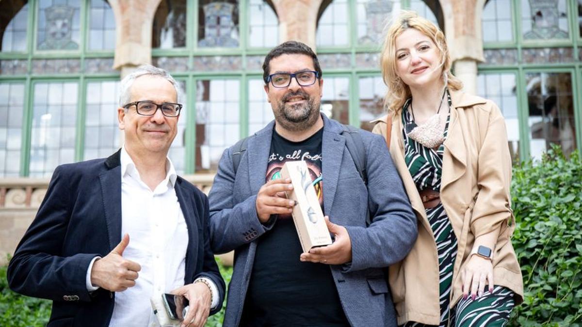 Los fundadores de CargoBici con el Premio BBVA a la Innovación en Sostenibilidad.