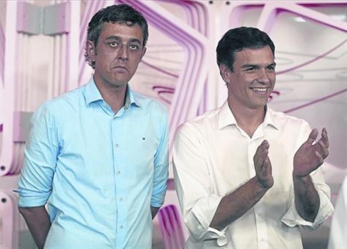 Eduardo Madina fue la apuesta de Bilderberg para las primarias del partido socialista del verano pasado. Ganó Pedro Sánchez, pero el club tiene sus ojos puestos en Pablo Iglesias, que incluyó en el programa de Podemos una reclamación histórica del lobi de los poderosos: la creación de un gobierno único mundial. (REUTERS / JAVIER BARBANCHO)