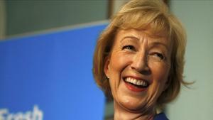 Dues dones destaquen amb força en la carrera per substituir Cameron