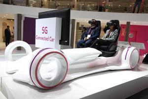 Simulación de coche conectado por 5G en el Mobile World Congress de Barcelona.