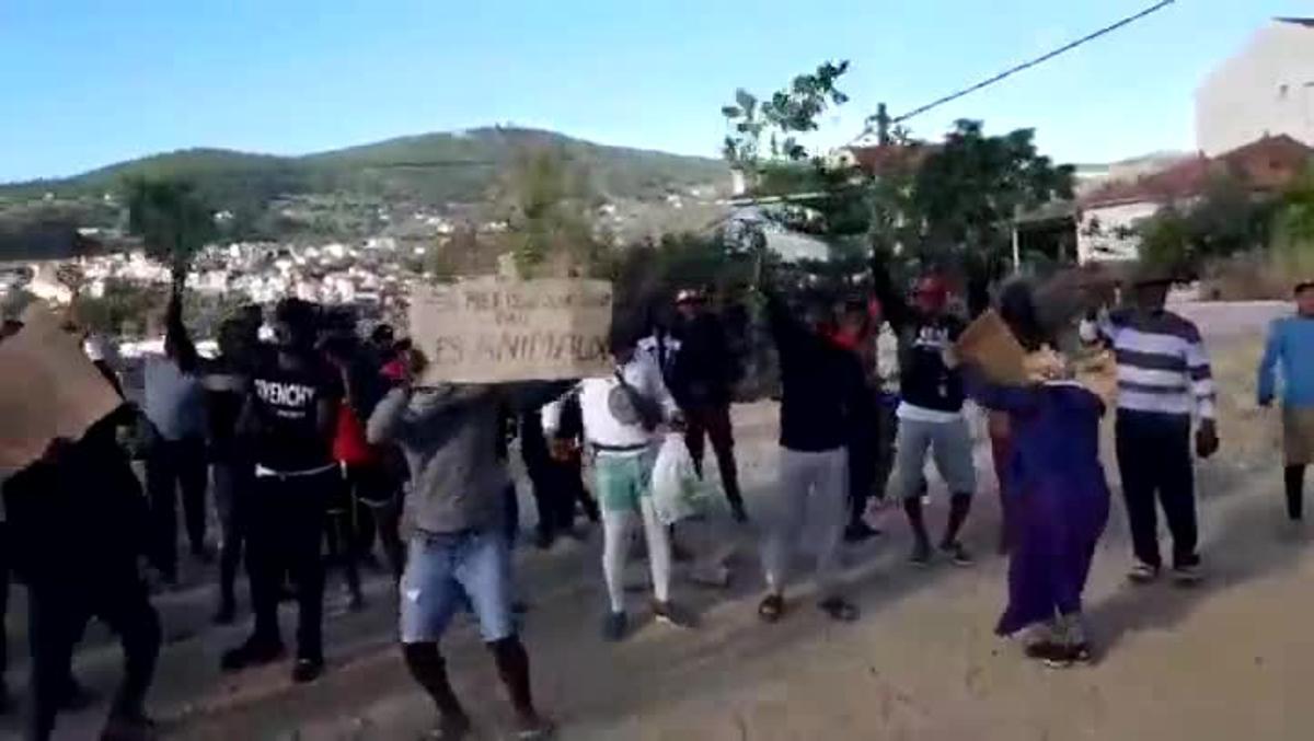 Manifestaciónen el campo de refugiados de Samos, Grecia.