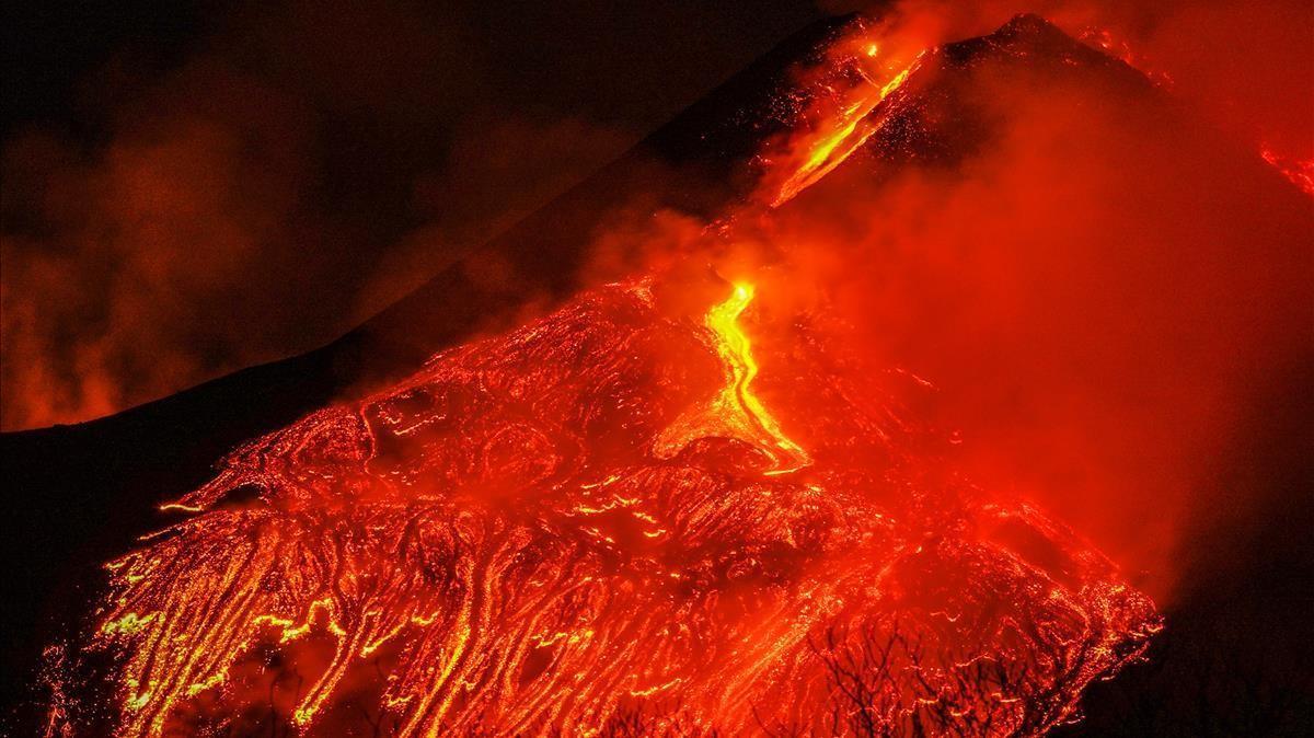 El volcán Etna en erupción.
