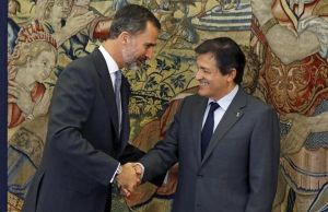 El presidente de la gestora, Javier Fernández, en su audiencia con el Rey previa a la designación de un candidato a la investidura.