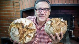 Eduard Verdaguer, de Panàtics, en una panadería.