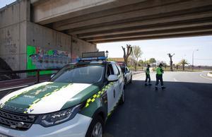 Un control de la Guardia Civil en una localidad andaluza.