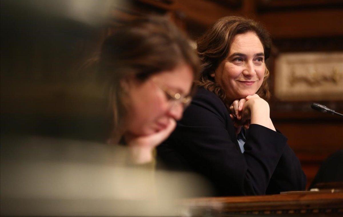 Ada Colau, en el pleno del ayuntamiento el pasado 31 de enero, tras la aprobación de los presupuestos para el 2020.