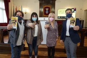 L'Ajuntament firma el conveni per posar en marxa el Carnet Jove d'Esplugues