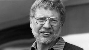 El escritor norteamericano Walter Tevis, en los años 80.