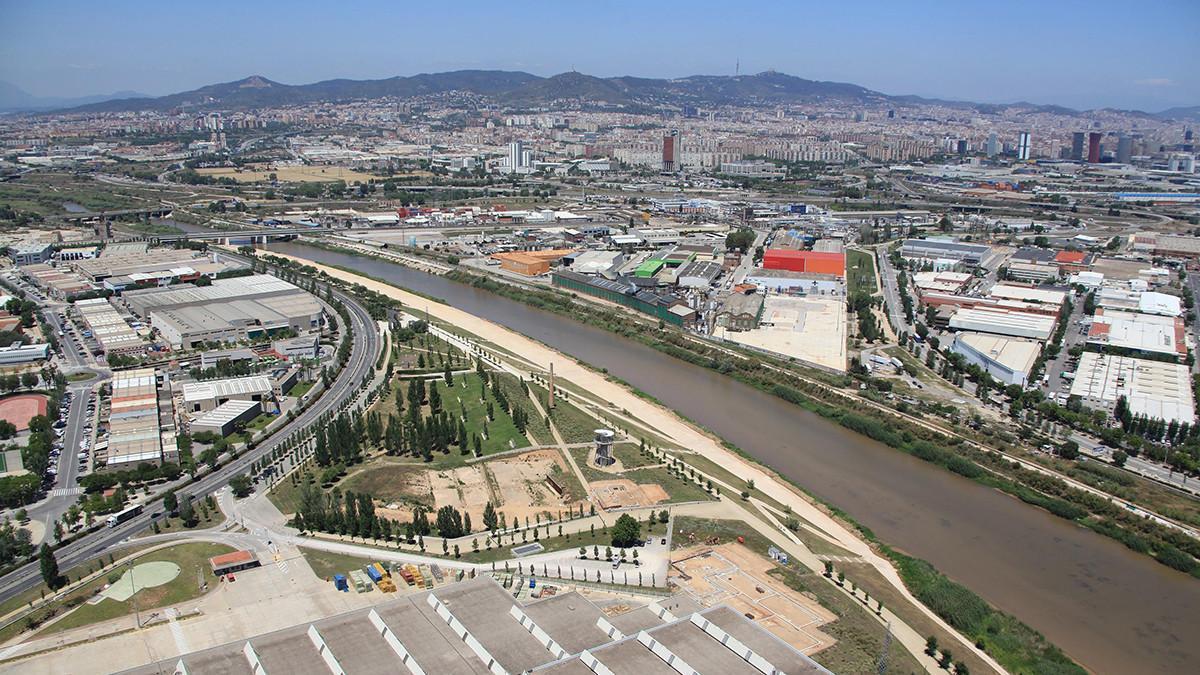 La UPC estudia desde Terrassa el tratamiento de las aguas residuales industriales.