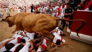 Els toros de José Escolar protagonitzen un tercer 'encierro' de Sant Fermí ràpid i net