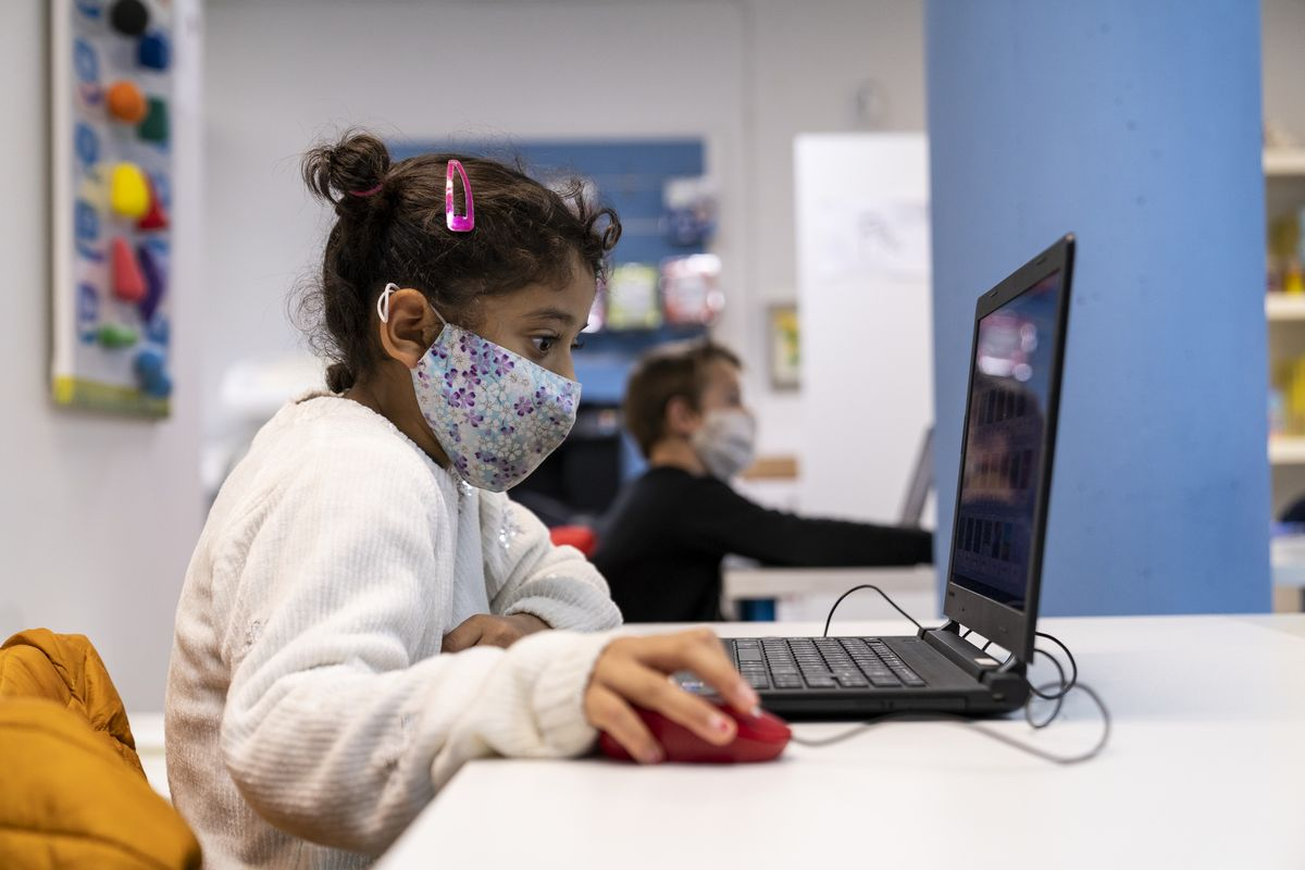 Más mujeres en el sector tecnológico, menos brecha digital de género
