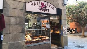 Exterior de la pastelería López en Ciutat Vella.