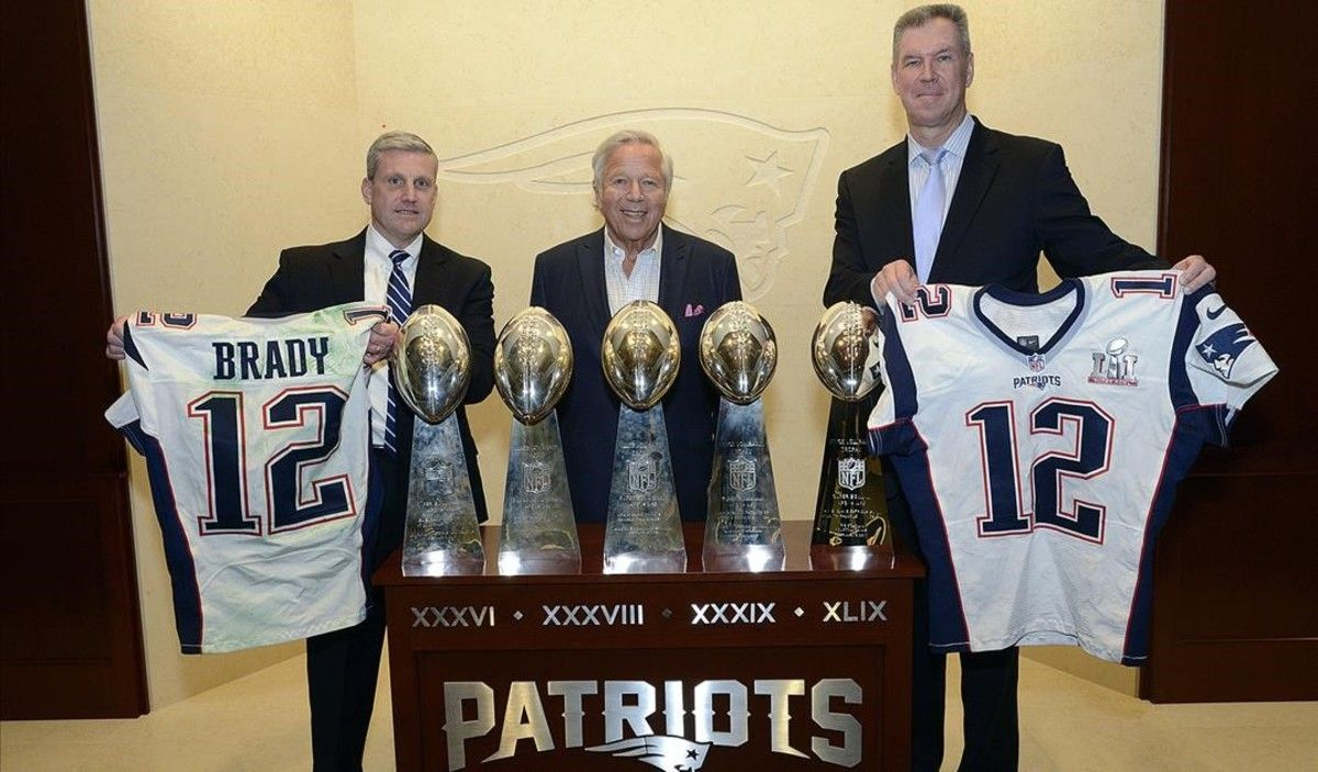 Aparece la camiseta robada de Tom Brady