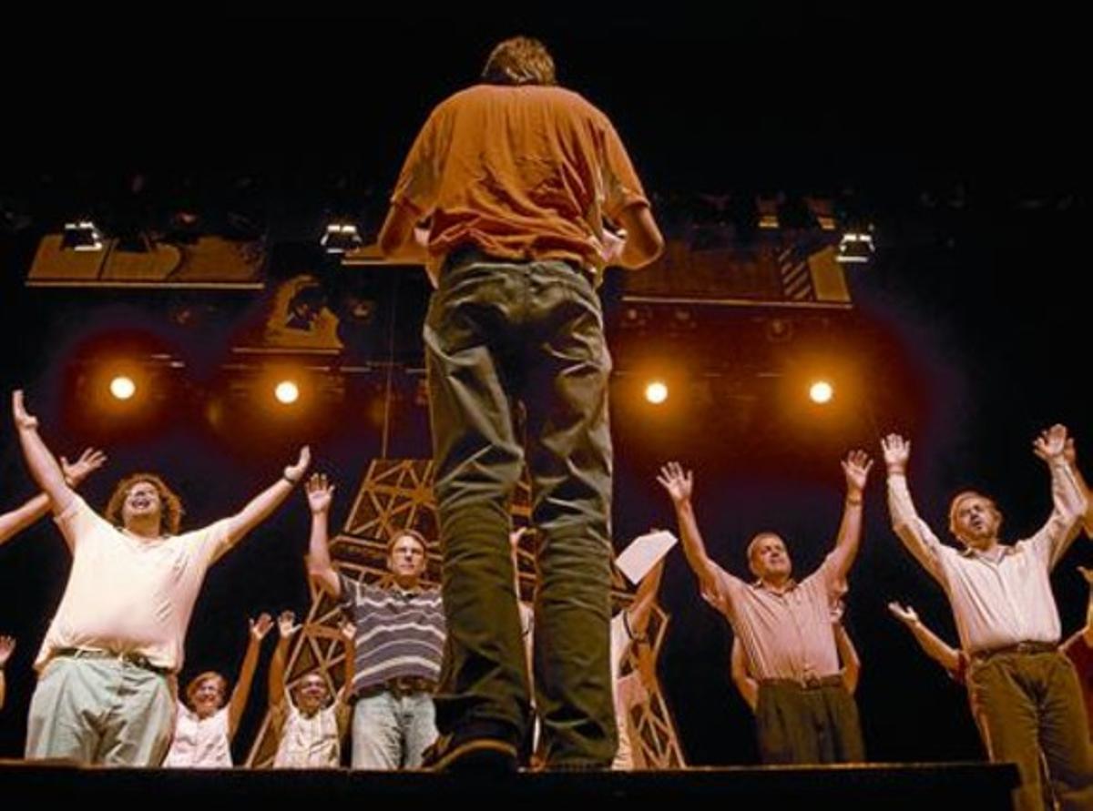 Sobre el escenarioUn momento del ensayo del musical, el pasado jueves en Mataró.