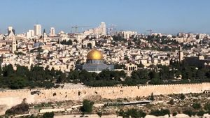 La Explanada de las Mezquitas de Jerusalén, que alberga la Cúpula de la Roca y la Mezquita de Al Aqsa, tercer lugar más sagrado para el Islám, reabrió hoy sus puertas al público después de setenta días de cierre.