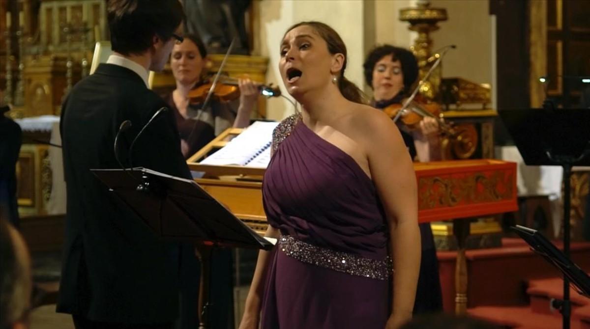 Marta Infante, en el festival barroco con Vespres d'Arnadí, en la iglesia de Sant Felip Neri.