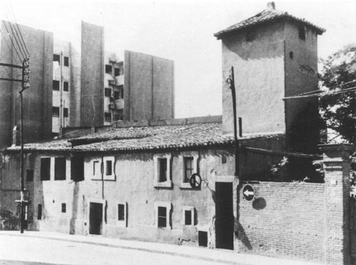 Estado original del Castillo de Bellvís en el barrio de la Torrassa de L'Hospitalet